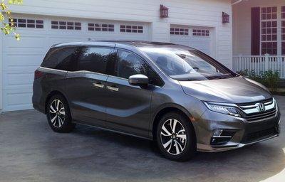 Top 10 ô tô Honda tốt nhất năm 2019- Honda Odyssey 2019.