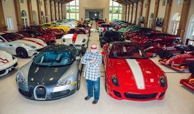 Michael Fux bên trong gara xe siêu khủng của mình