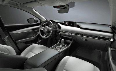 Mazda 3 2020 bán giá đắt hơn nhờ thêm trang bị a3