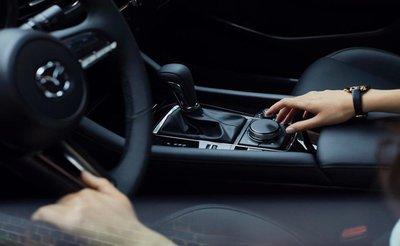 Mazda 3 2020 bán giá đắt hơn nhờ thêm trang bị a5