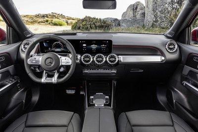 Mercedes-AMG GLB 35 tích hợp công nghệ tân tiến