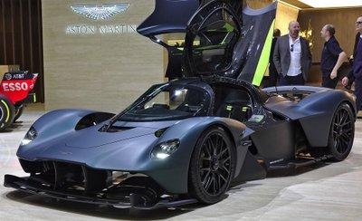 Siêu xe Aston Martin Valkyrie có ngoại hình ấn tượng.