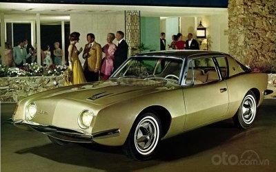 Studebaker Avanti 1963.