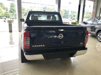 Bán tải Nissan Navara EL A-IVI 2019 vừa ra mắt có giá lăn bánh bao nhiêu? a5