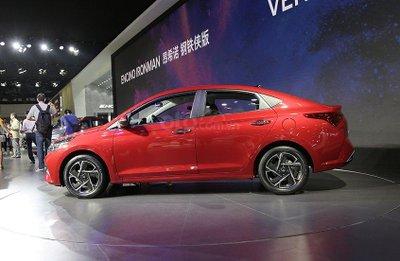 Thân xe Hyundai Accent 2020 nâng cấp mới.