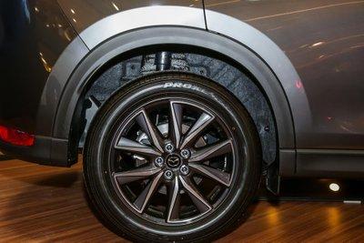 Bộ mâm hợp kim đa chấu của Mazda CX-5 2.5L Turbo AWD.
