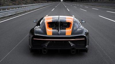 Cánh gió sau sau và hãm tốc tự nhiên của Bugatti Chiron