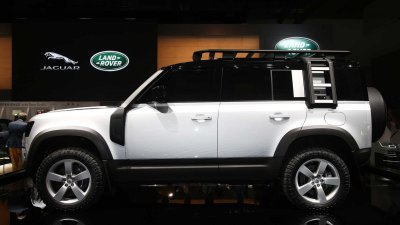 Land Rover Defender 2020 có khả năng off-road ấn tượng.
