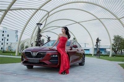 Người đẹp khoe vẻ thướt tha bên xe VinFast Lux A 2.0  - Ảnh 6.