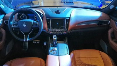 Maserati Levante Trofeo trang bị nội thất cao cấp