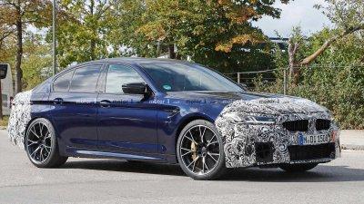 BMW M5 mới chạy thử trên đường với lớp ngụy trang cẩn thận.