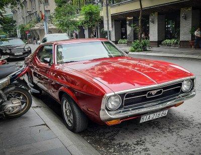 """Tóm gọn """"ngựa hoang"""" Ford Mustang Grande 1971 trên phố Sài Gòn a2"""