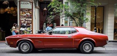 """Tóm gọn """"ngựa hoang"""" Ford Mustang Grande 1971 trên phố Sài Gòn a5"""