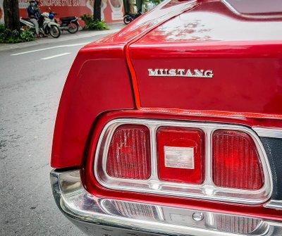 """Tóm gọn """"ngựa hoang"""" Ford Mustang Grande 1971 trên phố Sài Gòn a12"""