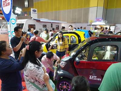 """Bạn biết gì về chiếc ô tô chạy điện 75 triệu đồng của Thái """"phá đảo"""" mạng xã hội Việt Nam?."""