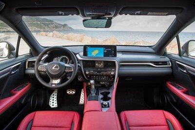 Không gian nội thất của Lexus RX nâng cấp.