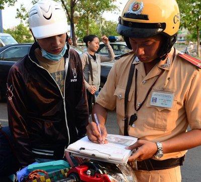 Chính phủ đề xuất nộp phạt vi phạm giao thông trực tuyến a1