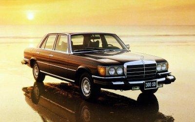 ĐỘNG CƠ DIESEL TĂNG ÁP: Mercedes-Benz 300SD (1978).