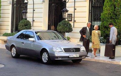 HỆ THỐNG CÂN BẰNG ĐIỆN TỬ: Mercedes-Benz CL600 (1995).