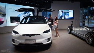 Tesla sản xuất tại Thượng Hải tránh thuế nhập từ Mỹ