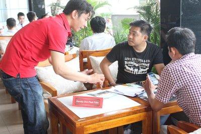 Cận cảnh không khí sôi động tại sự kiện cà phê lái thử Oto.com.vn 8