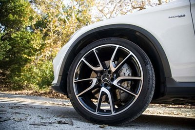 Mua lốp ô tô tồn kho từ 2-5 năm có bị ảnh hưởng không?.