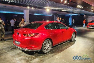 Mazda 3 2020 thiết kế đuôi xe.