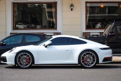 Porsche 911 Carrera S được bổ sung chế độ lái Porsche Wet.