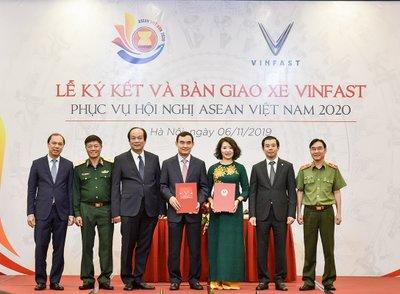 Xe VinFast sẽ đóng vai trò làm phương tiện chuyên chở các khách mời tham dự Hội nghị ASEAN 2020.