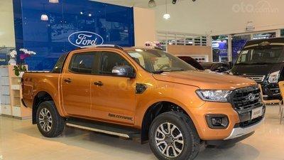 Xe bán tải ồ ạt giảm giá, riêng Isuzu Dmax giảm tới 160 triệu đồng.