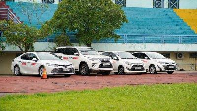 Các mẫu xe Toyota trong buổi lái thử tại Hội chợ Oto.com.vn 1