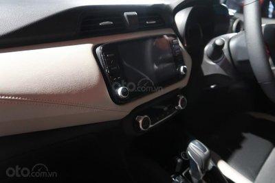 Nissan Sunny 2020 - 2