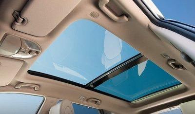 Các màn xe Hyundai dính phốt: Cửa sổ trời có vấn đề