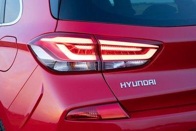 Các màn xe Hyundai dính phốt: Đèn phanh lỗi