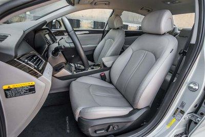 Các màn xe Hyundai dính phốt: Dây an toàn Sonata