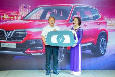 HLV Park Hang Seo được tặng VinFast LUX SA2.0 bản đặc biệt a1