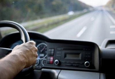 Kinh nghiệm lái xe ô tô đường dài an toàn 1