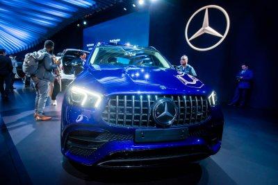 [Los Angeles 2019] Mercedes-AMG GLE 2021 63 và 63S cạch mặt BMW X5 M