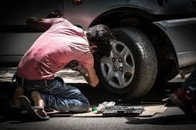 Phục chế xe sau tai nạn chủ xe cần lưu ý gì - Kiểm tra tổng thể dù nghi xe chỉ bị nhẹ
