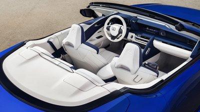 Lexus LC500 2020 bản mui trần..