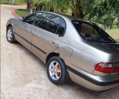 Toyota Corona 1996: 150 triệu đồng.