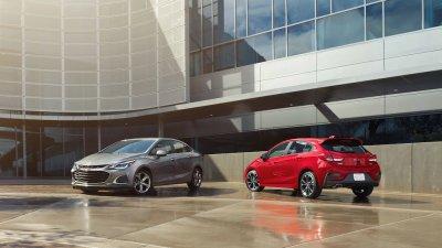 Thị phần xe Ford và Chevrolet bị xâm lấn bởi đối thủ