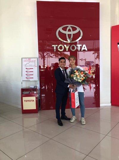 """Cầu thủ Văn Toàn """"tậu"""" xe Toyota Altis: Hoá ra chỉ là """"tin đồn"""" 1a"""