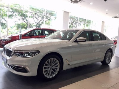 """BMW tiếp tục tung khuyến mại khủng, quyết đấu một trận """"khô máu"""" với Mercedes-Benz? 1"""