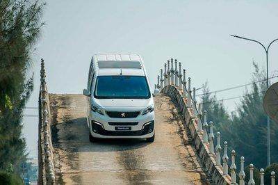 Vay mua xe Peugeot Traveller 2020 trả góp: Lãi suất ngân hàng nào hấp dẫn? a7