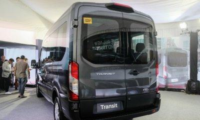 Ford Transit 2020 khổng lồ