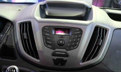 Ford Transit 2020 cũng trang bị các công nghệ thiết yếu