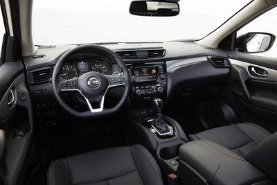 """Nissan X-Trail Sport 2020 có giá """"chát"""" hơn"""