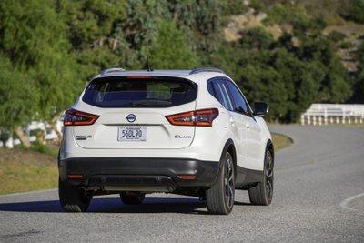 Nissan X-Trail Sport 2020 hấp dẫn hơn trước