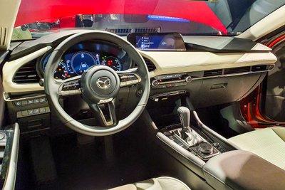 Khoang lái của Mazda 3 2020 thế hệ mới.